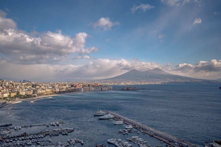 Napoli tra leggende e detti popolari